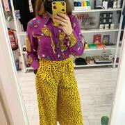 ¿Qué me pongo? Pantalón y camisa @lolinabycarolinaorts colección MAGIC FELINE (que tienes en SMILE), @converse (en un montonazo de tiendas de deporte) y a brillar ✨#magicfeline #style #streetstyle #look #lookoftheday #cosasbonitas #inspiration #smile #smiletiendas #modaespañola #diseñoespañol #estilazo #color